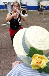 Walkabees - Hofkonzert, Volkslieder und traditionelle Musik