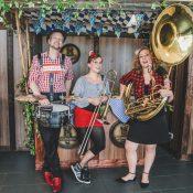 Walkabees Oktoberfest-Musi: Pressebild 2 4web
