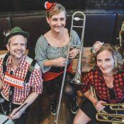 Walkabees Oktoberfest-Musi: Pressebild 5 4web
